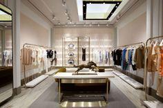 Chloe boutique New York Chloé boutique, New York Boutique Interior, Boutique Design, Design Shop, Design Display, Retail Interior Design, Boutique Decor, Retail Store Design, Boutique Stores, Interior Work