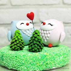 Love birds cute owl wedding cake topper Gift Decoration, via Etsy. Custom Wedding Cake Toppers, Wedding Topper, Unique Wedding Cakes, Handmade Wedding, Cake Wedding, Owl Cakes, Bird Cakes, Cupcake Cakes, Ladybug Cakes