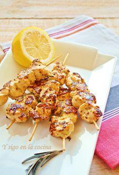 y sigo en la cocina: Brochetas de pollo con mostaza a la antigua y miel