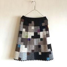 2017『石造りの街  Ⅱ  』   Sサイズ Crochet Skirts, Knit Skirt, Tie Dye Skirt, Knit Crochet, African Flowers, Textiles, Quilts, Knitting, Crafts
