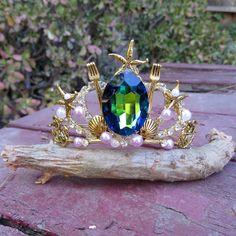 Gold Little Mermaid Tiara Mermaid Costume Makeup, Mermaid Halloween Costumes, Mermaid Under The Sea, The Little Mermaid, Mermaid Crown, Mermaid Diy, Gold Tiara, Little Mermaid Parties, Disney Inspired Outfits