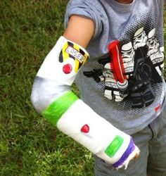 A broken bone can ruin your day, but with the right help from your artistic friends, you could have a functional yet fun cast on your arm or leg. Broken Arm Cast, Broken Leg, Buzz Lightyear, Toy Story, Cast Covers Arm, Kids Cast, Leg Cast, Cast Art, Red High Heels