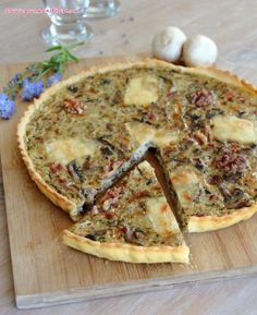 Quiche forestière aux champignons et aux lardons/c - Ensalada Marisco Ideas Quiche Forestière, Bacon Quiche, Food N, Food And Drink, Quiches, Salty Foods, Quiche Lorraine, Veggie Recipes, Healthy Cooking