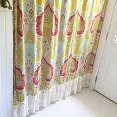 When decorating our homes or buying a special gift for someone, this beautiful bohemian style paisley print shower curtain with it's crochet lace ruffle and string or drooping pearls is sure to please