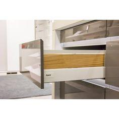 Ritma Cube hidastinlaatikkoon voidaan korokelaidat tehdä myös massiivipuusta. #RitmaCube #Harn #hidastinlaatikko #softclose  #säilytys #laatikostot #koti #toimisto #sisustus #sisustussuunnittelu #interior #sisustusratkaisut #yritysmyynti #tukkumyynti #helakeskus