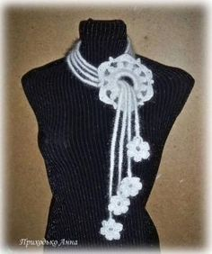 This Pin was discovered by peiBeautiful knit and crochet cow Crochet Hooded Scarf, Crochet Collar, Crochet Scarves, Crochet Shawl, Irish Crochet, Knit Crochet, Crochet Jewelry Patterns, Crochet Accessories, Knitting Patterns