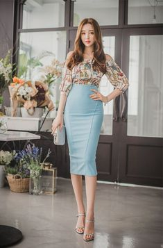 Forever in Style - Beauty and Fashion through the centuries Korean Fashion Dress, Asian Fashion, Fashion Dresses, Work Fashion, Fashion Beauty, Womens Fashion, Corporate Attire, Pencil Skirt Outfits, Power Dressing
