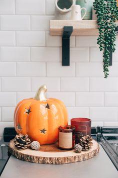 Autumn Interiors: Our Top Picks - Zoella Halloween Veranda, Fall Halloween, Halloween Kitchen, Halloween Night, Halloween 2020, Halloween Nails, Halloween Costumes, Zoella, Autumn Interior