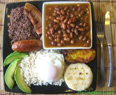 Mi Colombia Querida Cocina Bandeja paisa!!!... Himmmm Qué Reelegancia... AloBienQueSí