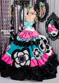 Pretty Quinceanera Dresses, Pretty Dresses, Colored Wedding Dresses, Wedding Gowns, Ball Gowns Evening, Fairytale Dress, Gowns Of Elegance, Ball Dresses, Beautiful Gowns