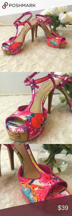 Gianni Bini Platform 4 inch Heels size 4 Gianni Bini Platform 4 inch Heels size 4 Gianni Bini Shoes Platforms