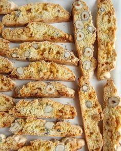 Boller og kanelboller - tangzhong style - krem.no Dessert, Baking, Vegetables, Food, Style, Swag, Deserts, Bakken, Essen