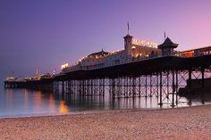 Hoy desde ebooking.com traemos un reportaje de uno de los muelles más emblemáticos, largos y antiguos de Reino Unido: Brigthon Pier