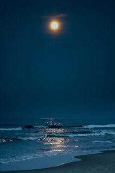 Atlantic Moonrise by kim.panian, via Flickr