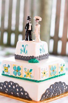 Fab  El Dia de Los Muertos cake toppers...  Photography: http://blog.katescaptures.com/