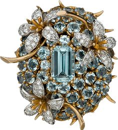 Aquamarine diamond clip in yellow gold by Jean Schlumberger; c. 1965. Vintage fine jewelry x