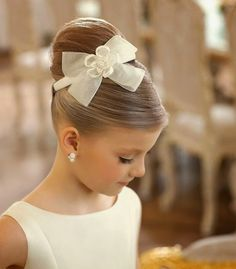 Flower Girl Hairstyles. http://simpleweddingstuff.blogspot.com/2014/11/flower-girl-hairstyles.html