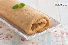 Cómo hacer una plancha de bizcocho para enrollar. Receta  http://www.directoalpaladar.com/postres/como-hacer-una-plancha-de-bizcocho-para-enrollar-receta