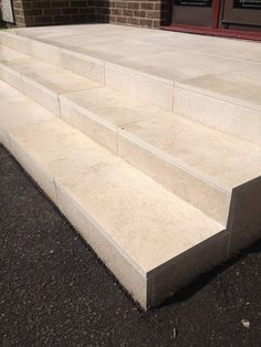 We recently supplied an order of Limestone Vanilla paving to a customer in Glasgow, who used our slabs to transform their garden steps. Outdoor Steps, Patio Steps, Garden Steps, Back Steps, Front Steps, Outdoor Tiles, Outdoor Decor, Greek Garden, Tile Steps