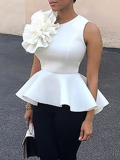 Flower Applique Zipper Back Peplum Top - Madam Store:Women's Fashion Online Shopping African Attire, African Wear, African Dress, African Print Fashion, African Fashion Dresses, Blouse Styles, Blouse Designs, Look Fashion, Fashion Outfits