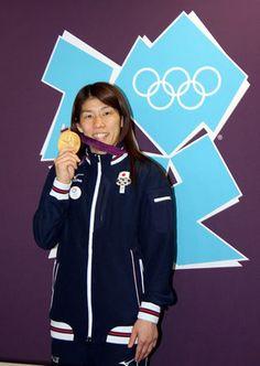 オリンピック3連覇を成し遂げ、安どの表情を浮かべる吉田沙保里選手
