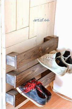 I Love That Junk: Easy pallet wood shoe storage - Art of 66 #EasyNip