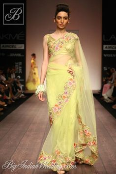 Indian Wedding Fashion by Bhairavi Jaikishan LFW S/S love the color.perhaps a reception sari? Lakme Fashion Week, India Fashion, Asian Fashion, High Fashion, Beautiful Saree, Beautiful Outfits, Indian Dresses, Indian Outfits, Indian Wedding Fashion