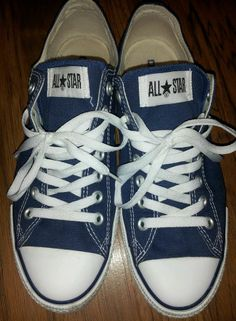 Converse All Star Chuck Taylor size 8.5 men or 10.5 womens navy blue shoes EUC