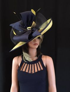 Fancy hats 5 Sizzling Hair Fashion Developments For 2006 If 2005 was a time for fashionable locks, t Chapeaux Pour Kentucky Derby, Kentucky Derby Hats, Kentucky Derby Fashion, Royal Ascot Hats, Crazy Hats, Outfits Damen, Fascinator Hats, Fascinators, Headpieces