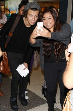 Harry Styles cap LAX - Harry Styles images - sugarscape.com