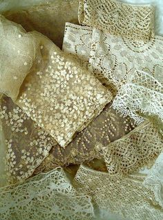 antique lace is at it's best when used in a shabby chic bedroom Antique Lace, Vintage Lace, Vintage Sewing, Victorian Lace, Lace Ribbon, Lace Fabric, Shabby Style, Shabby Chic, Fru Fru