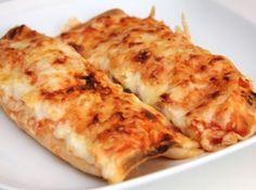 Salsa-csirkés Enchiladas recept: Ez a remek Enchilada recept nem csak mennyeien finom, de még az egyik legegyszerűbb is, amit valaha készítettem! Készítheted simára, vagy csípősre is, attól függően, milyen salsát vásárolsz. Te se hagyd ki! ;)