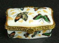 CERAMIC PILL BOX RECTANGLE BUTTERFLY