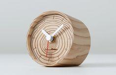 Tree Ring Clock by Youta Kakuta