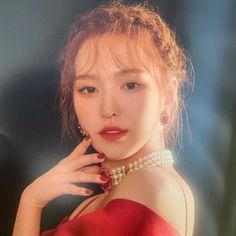"""Red Velvet members look like princesses in """"La rouge"""" concert goods photo Red Velvet 衣装, Wendy Red Velvet, Seulgi, Kpop Girl Groups, Korean Girl Groups, Kpop Girls, Irene, My Girl, Cool Girl"""