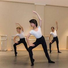 Boys Ballet, Male Ballet Dancers, Boys Gymnastics, Boyish Girl, Beauty Of Boys, Bald Girl, Mens Tights, Sissy Boy, Ballet Beautiful