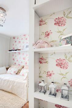 esse papel de parede floral é mt lindo <3