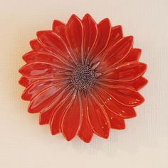 Ceramic Sunflower dish for wall decoration Orange glazed ヒマワリの壁かざり (朱釉陶芸品) - Beckyson ベッキーソン http://www.beckyson.co/?pid=69134489