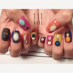 bijoux▪️⬜️▪️ #nail#art#nailart#ネイル#ネイルアート #stone#bijou#jewel#cool#vintage#gorgeous#nailsalon#ネイルサロン#表参道#bijou111 #colorful111
