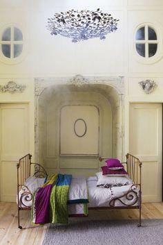Homeware and textiles Vivaraise Textiles, Tree Branches, Art Pieces, Lifestyle, Collection, Bedrooms, Plaid, Furniture, Home Decor