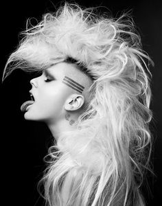 Are you looking for some completely unique styles for your long hair? So here we have gathered Punk Rock Hairstyles for Long Hair that we think you will. Ombré Hair, Big Hair, Hair Art, Hair Inspo, Hair Inspiration, Punk Mode, Punk Rock Hair, Dark Wave, Estilo Punk Rock