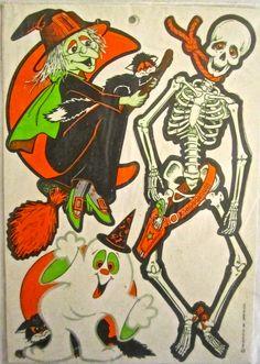 "(Part Vintage Beistle Halloween cutouts"" Decorations from the early Halloween Cut Outs, Halloween Crafts, Happy Halloween, Halloween Ideas, Vintage Halloween Decorations, Halloween Illustration, Vintage Toys, Craft Supplies, Cosplay"