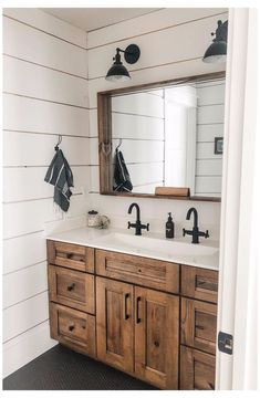 29 Bathroom Cabinet Ideas Most People Would Kill to Have #farmhouse #bathroom #cabinets #farmhousebathroomcabinets Imagine walking into a room where everything is properly organized and you have enough space to put everything in--one can dream. Well, let's make your dream a reality today and go over some great bathroom Villa Del Carbon, Bathroom Renos, Bathroom Renovations, Remodel Bathroom, Budget Bathroom, Shiplap Master Bathroom, Basement Bathroom Ideas, Upstairs Bathrooms, Small Bathrooms
