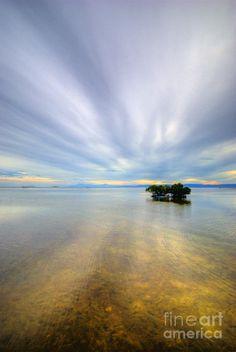 'Cloud Zoom 1.0' - photo by Yhun Suarez