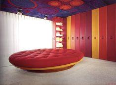 round bed, designed by Kunststoffhaus, 1968.