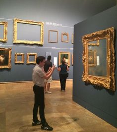 ゴージャスで目立ちまくる「黄金の額縁」はどのように作られたのか?額縁から分かる美術の流れ - GIGAZINE