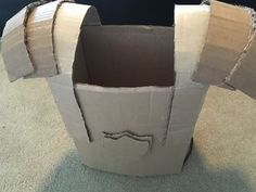 Cardboard Armor Suit: 5 Steps (with Pictures) Diy Knight Costume, Knight Costume For Kids, Armor Of God, Suit Of Armor, Body Armor, Cardboard Costume, Cardboard Box Crafts, Biblical Costumes, Roman Armor
