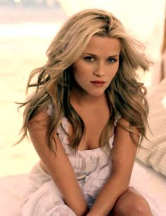 Reese Witherspoon - Hot Hollywood actress - Winner of Academy, Golden Globe, BAFTA and Screen Actors Guild Awards