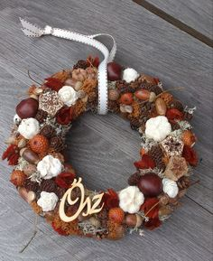 Fall door decor - Őszi kopogtató Fall Door Decorations, Fall Decor, Holiday Decor, Christmas Pine Cones, Christmas Wreaths, Creative Crafts, Diy And Crafts, Advent Wreath, Autumn Wreaths