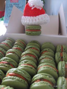 thai-curry-macarons-Christmas